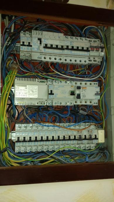 Impianto elettrico a norma di legge elettricista firenze - Certificato impianto elettrico a norma ...